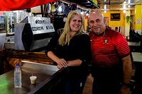 O empresário português José Manuel Abreu e a mulher Maria Abreu são proprietários de um restaurante na povoação de El Junquito perto de Caracas, na Venezuela.