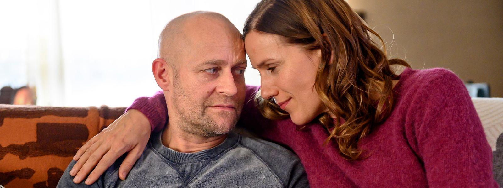 Kämpfen mit Alltagssorgen: Kurt Fankhauser (Jürgen Vogel) und seine Frau Sandra (Bettina Lamprecht).