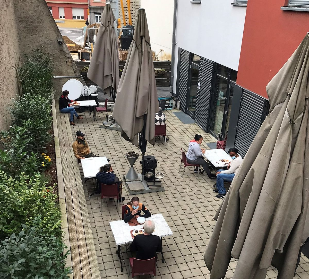 A heated terrace will allow the charity to feed more groups of people under the current pandemic sanitary requirements Photo: Stëmm vun der Strooss