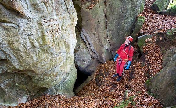 Die Grotte de la Vierge ist mit 430 Metern die drittlängste Höhle im Land.