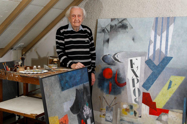 Der Künstler in seinem Atelier in Schifflingen.