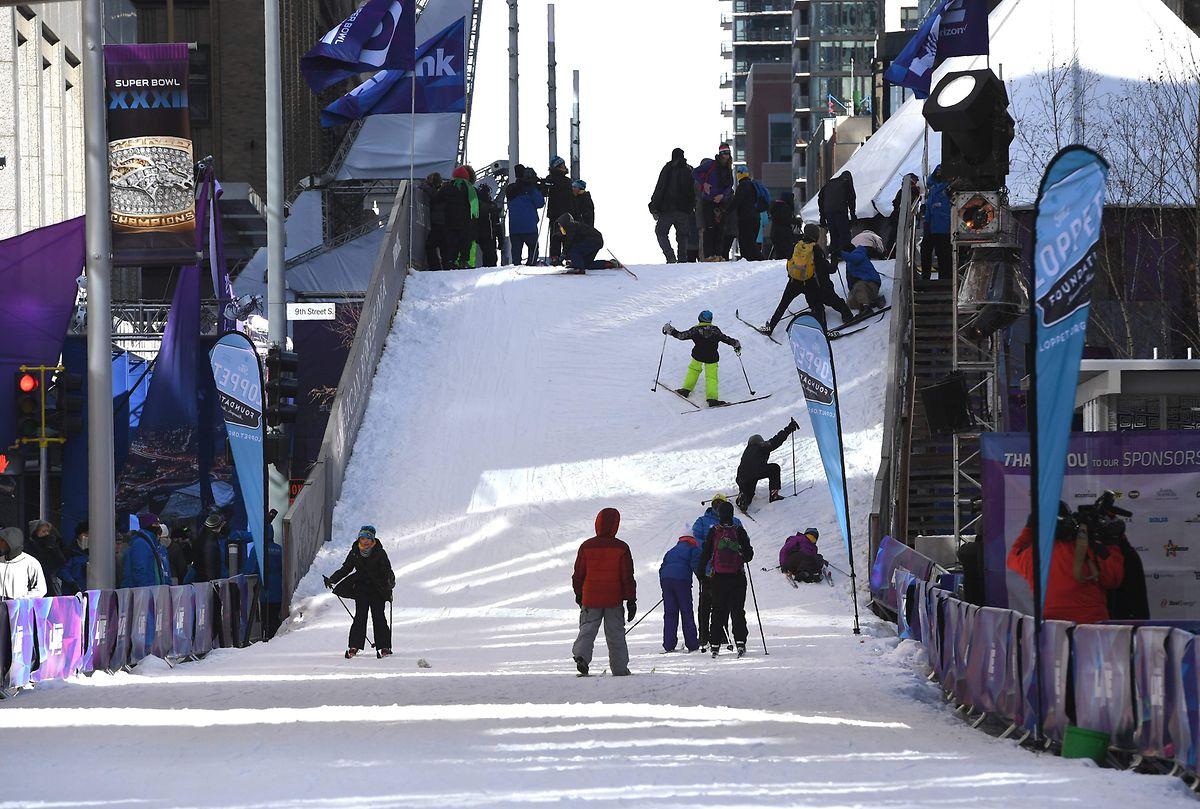 Den Einwohnern in Minneapolis stehen die Gedanken derzeit auch nach Skifahren.