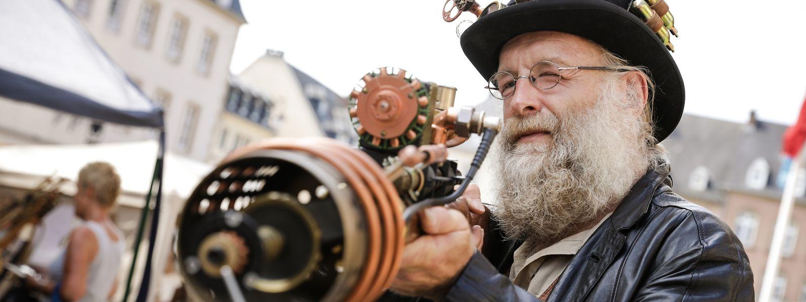 """O encontro de """"steampunkers"""" decorre até domingo"""