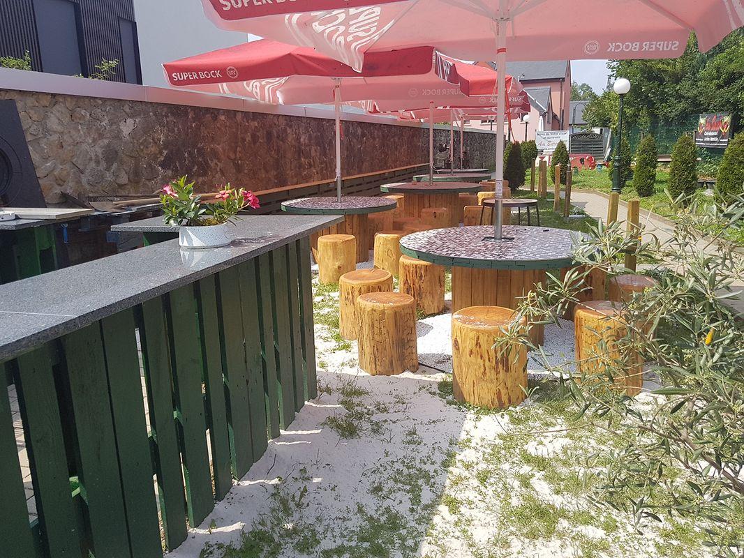 Novo espaço para churrascos de verão no jardim