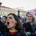 Milhares prometem mudar o mundo na manifestação feminista de Lisboa
