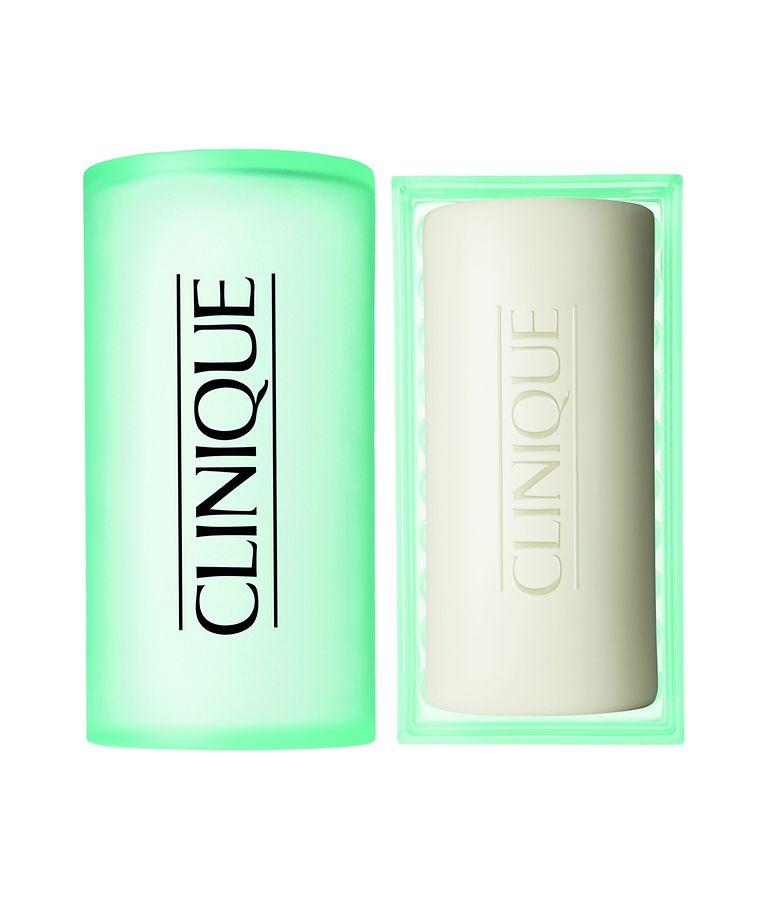 Für Gesicht und Körper: Seife von Clinique (100 g, um 26 Euro).