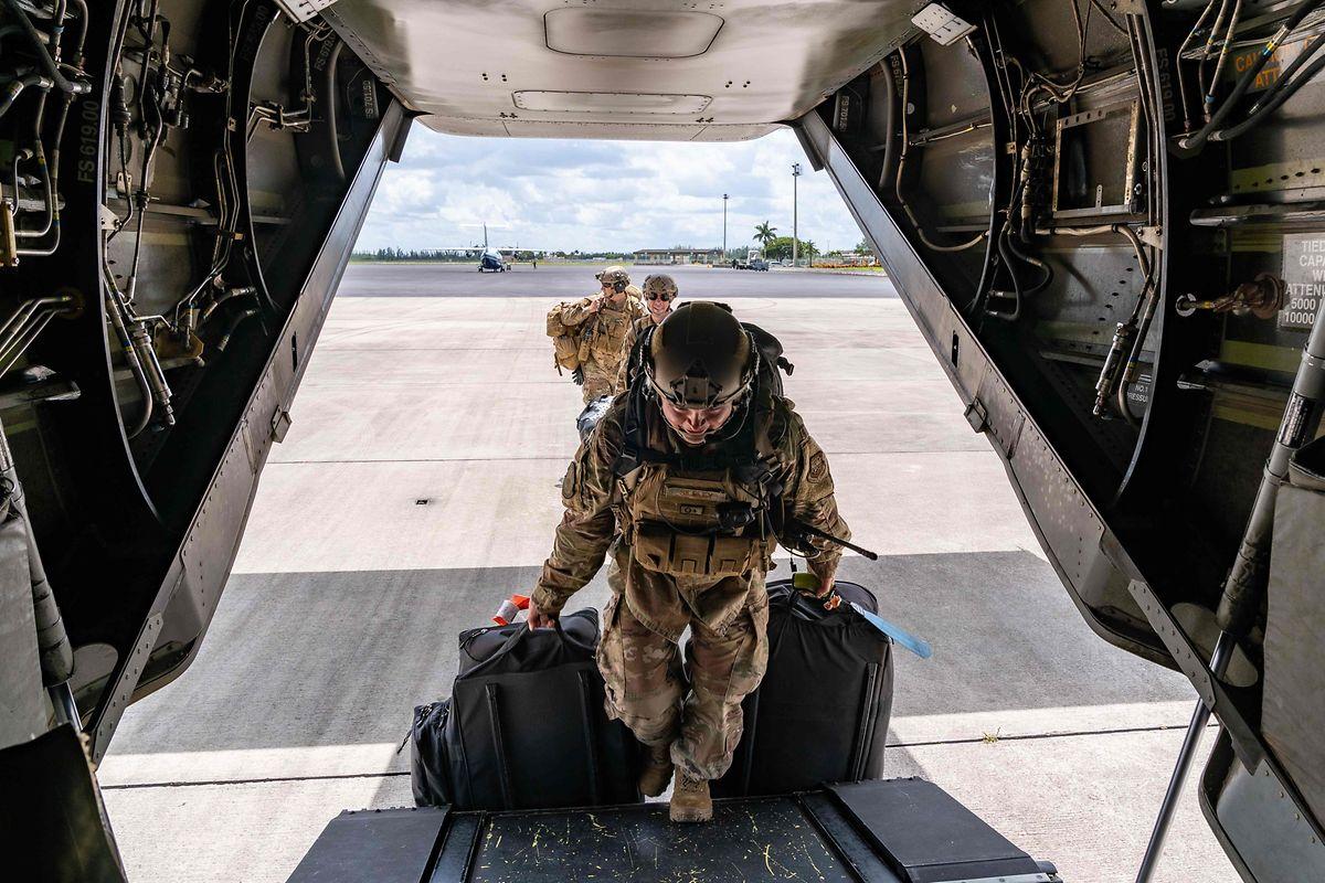 L'armée américaine porte secours aux habitants des îles dévastées par l'ouragan.
