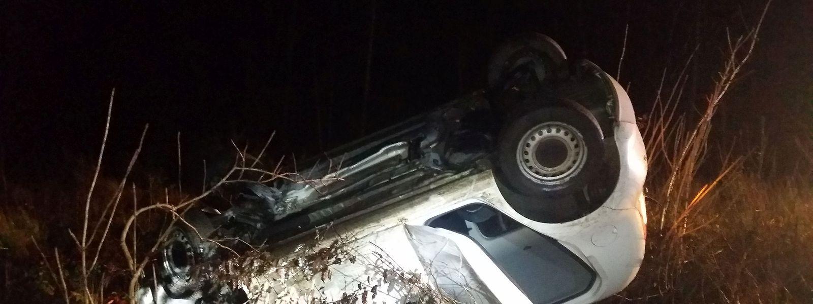 Das Fahrzeug wurde arg in Mitleidenschaft gezogen.