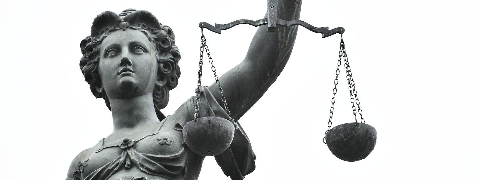 Der Prozess vor dem Landgericht Saarbrücken ist auf insgesamt drei Verhandlungstage angesetzt.