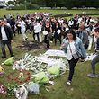 Bei einem Trauermarsch gedachten Freunde und Familie der Opfer.