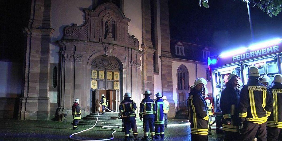 Die barocke Abteikirche Himmerod wurde von den Flammen in Mitleidenschaft gezogen.