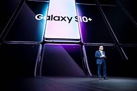 DJ Koh, President and CEO of IT & Mobile Communications Division of Samsung Electronics speaks during the Samsung Unpacked product launch event in San Francisco, California on February 20, 2019. - Seeking to rev up demand in the slumping smartphone market, Samsung on Wednesday unveiled a folding handset, becoming the first major manufacturer to offer the feature. (Photo by Josh Edelson / AFP)