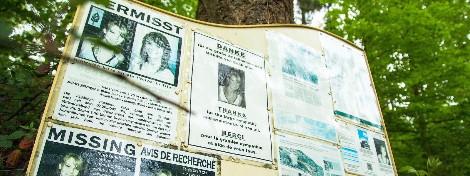 Acht Jahre war Tanja Gräff vermisst. Im Trierer Weishauswald steht eine Tafel zu ihrem Gedenken.