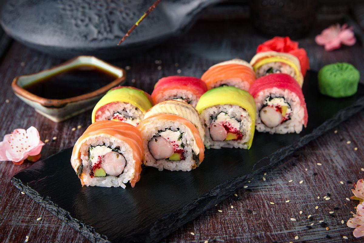 Rainbow sushi rolls Photo: Shutterstock