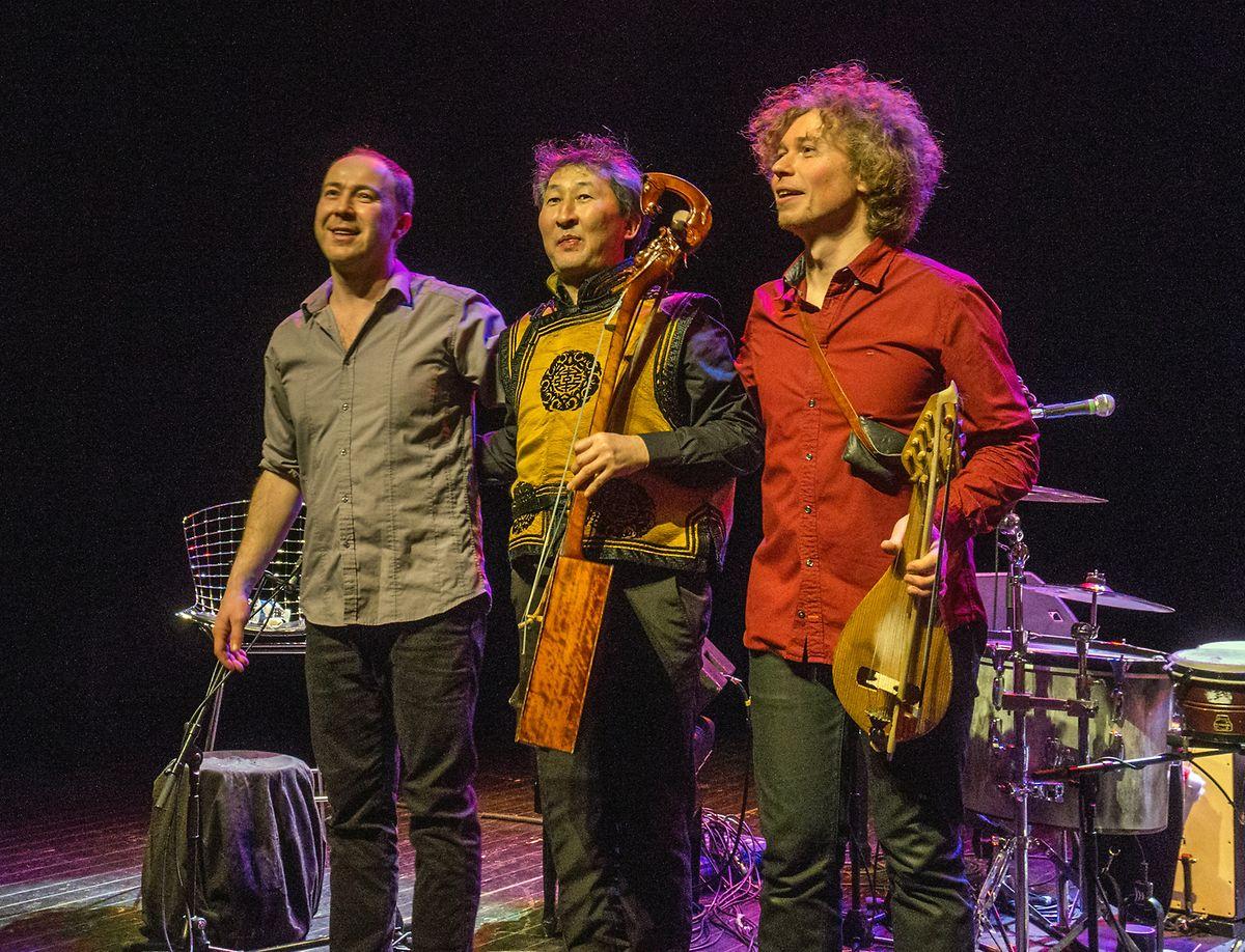 Les Violons Barbares en mars 2010 sur la scène de la Kulturfabrik