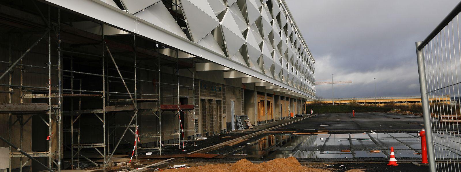 Die Bauarbeiten am neuen Fussball- und Rugbystadion sollten ursprünglich 2019 abgeschlossen sein.