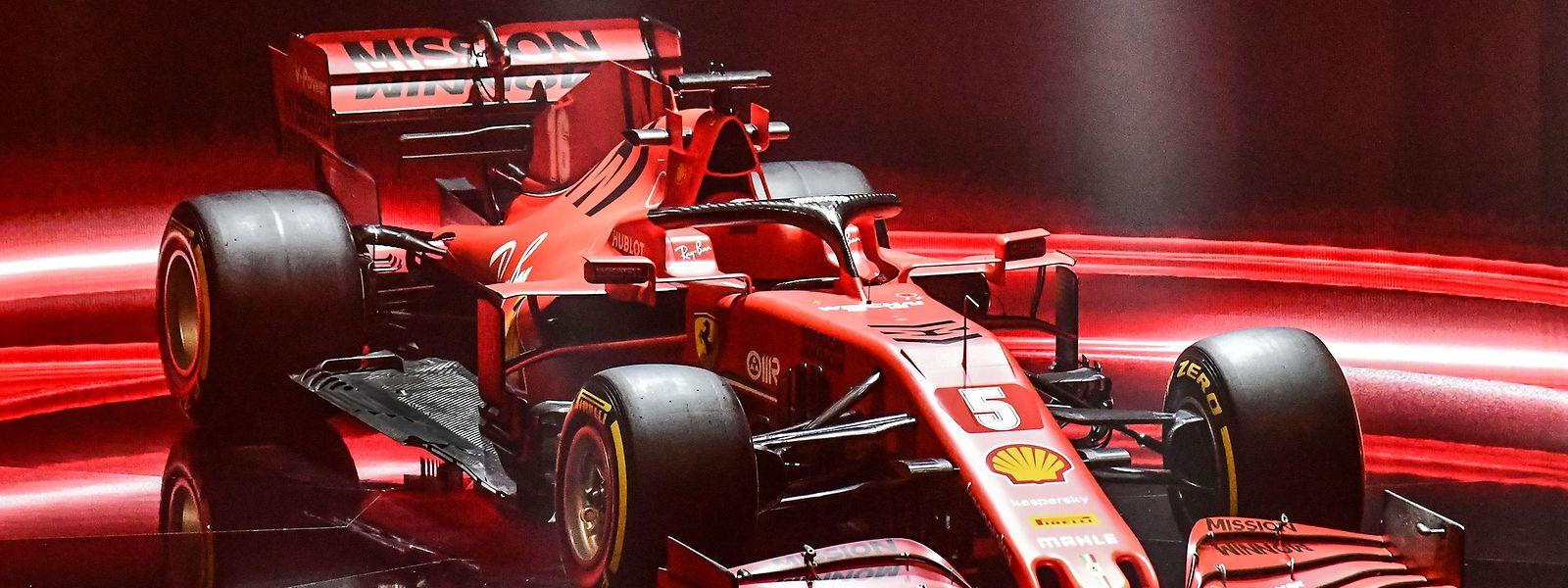 «Je l'aime beaucoup. Elle est beaucoup plus étroite à l'arrière que l'an dernier et elle est aussi plus rouge, c'est encore mieux», a déclaré Sebastian Vettel