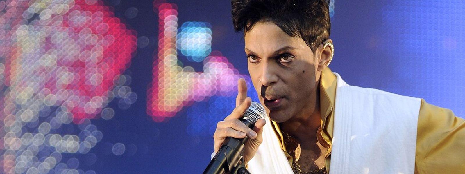 Prince trat 2011 in Paris auf.