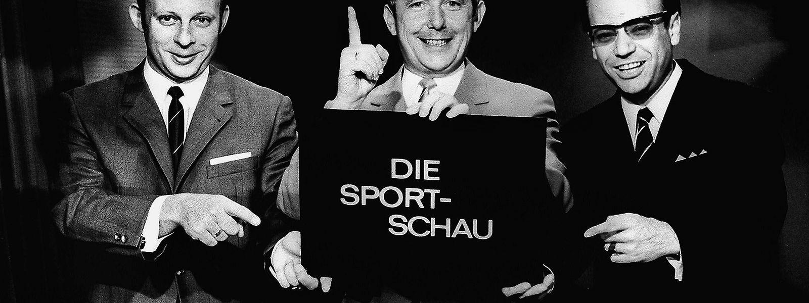 4. Juni 1961: Ernst Huberty (Mitte), Dieter Adler (l.) und Addi Furler gehen mit der ersten Sportschau beim WDR auf Sendung. Es ist der Beginn einer Erfolgsgeschichte.