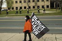 In Brooklyn Center, einem Stadtteil von Minneapolis, kommt es zu Protesten nach dem Tod von Daunte Wright bei einer Polizeikontrolle.