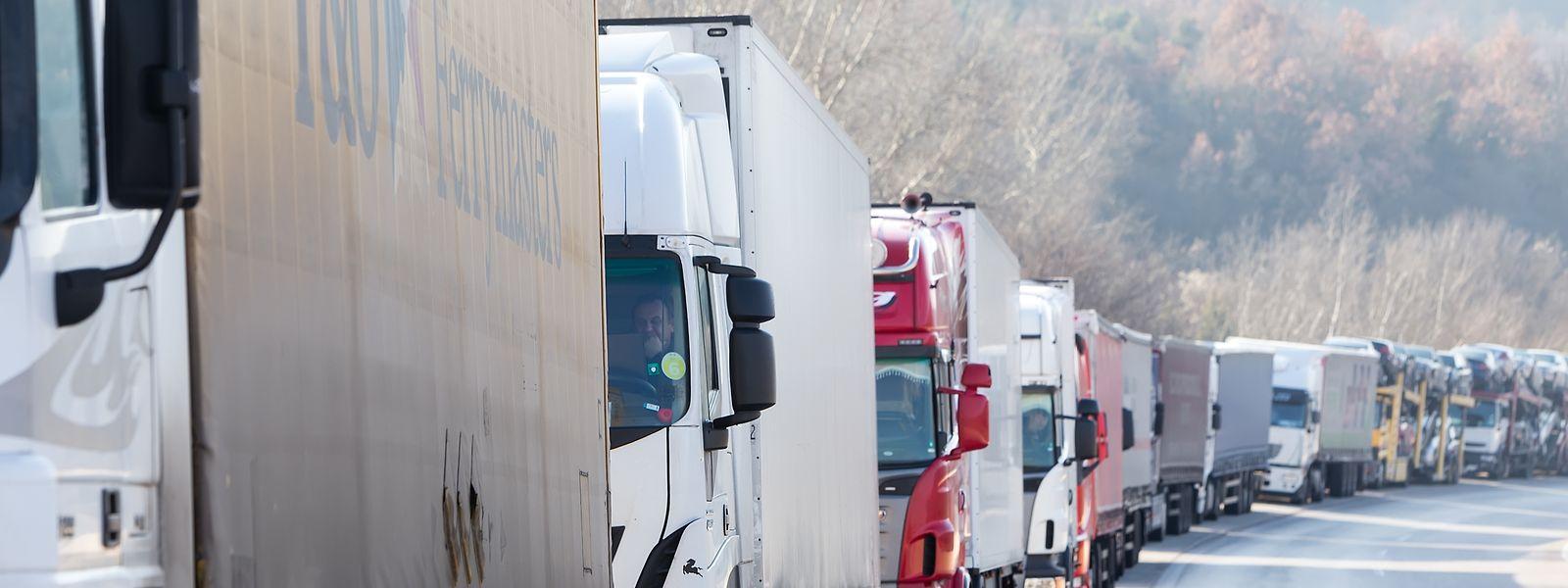 Les chauffeurs et transporteurs «sacrifiés»: la nouvelle convention fiscale se révèle être un désastre pour un secteur d'activité tout entier.