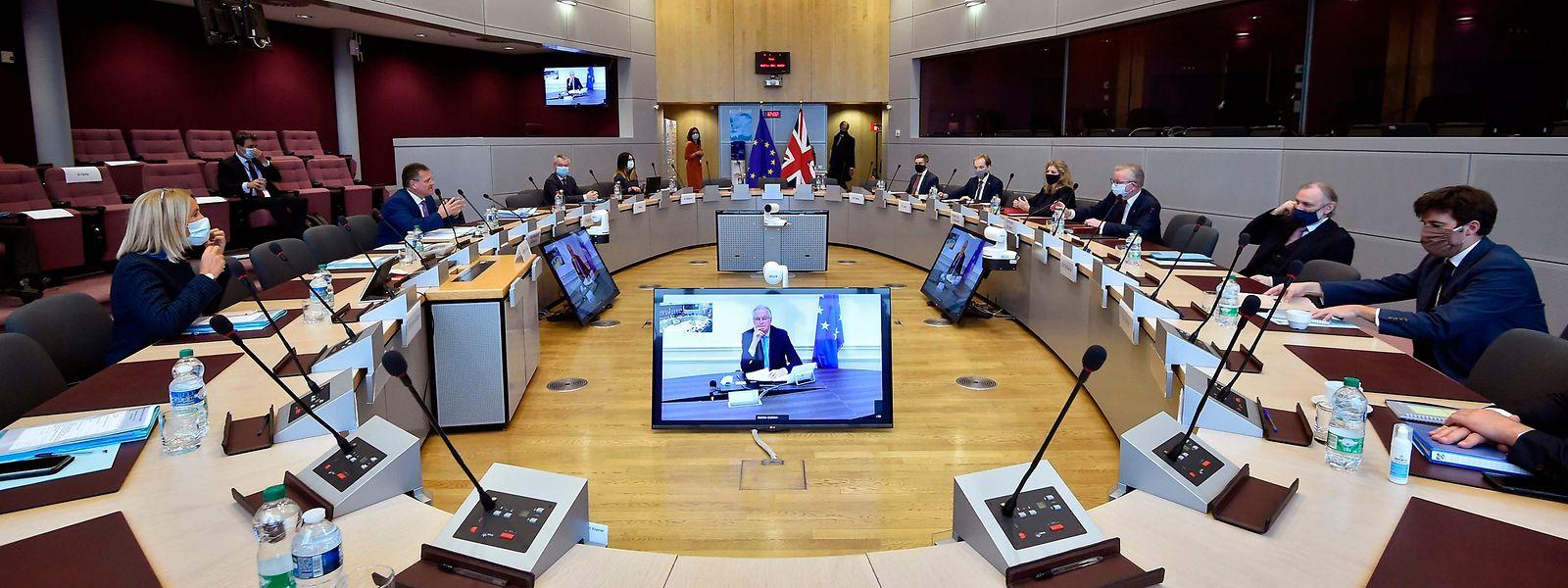 Malgré une confiance ébranlée, le Royaume-Uni et l'UE ont repris le dialogue avec l'espoir d'arriver à un accord sur leur future relation commerciale.