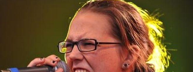 Die Schweizer Sängerin Stefanie Heinzmann hat Probleme mit den Stimmbändern.