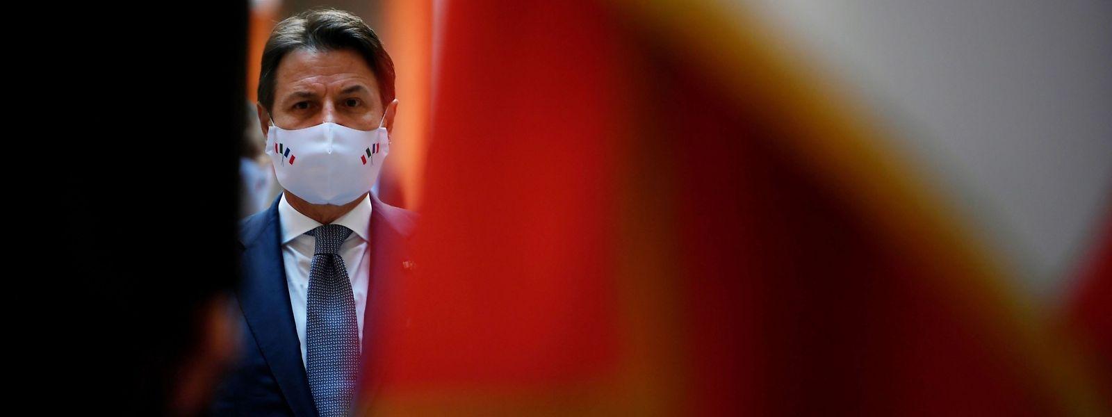 Italien steuert mitten in der Corona-Pandemie und im Streit über milliardenschwere Hilfsgelder von der EU auf einen erneuten Machtpoker zu.