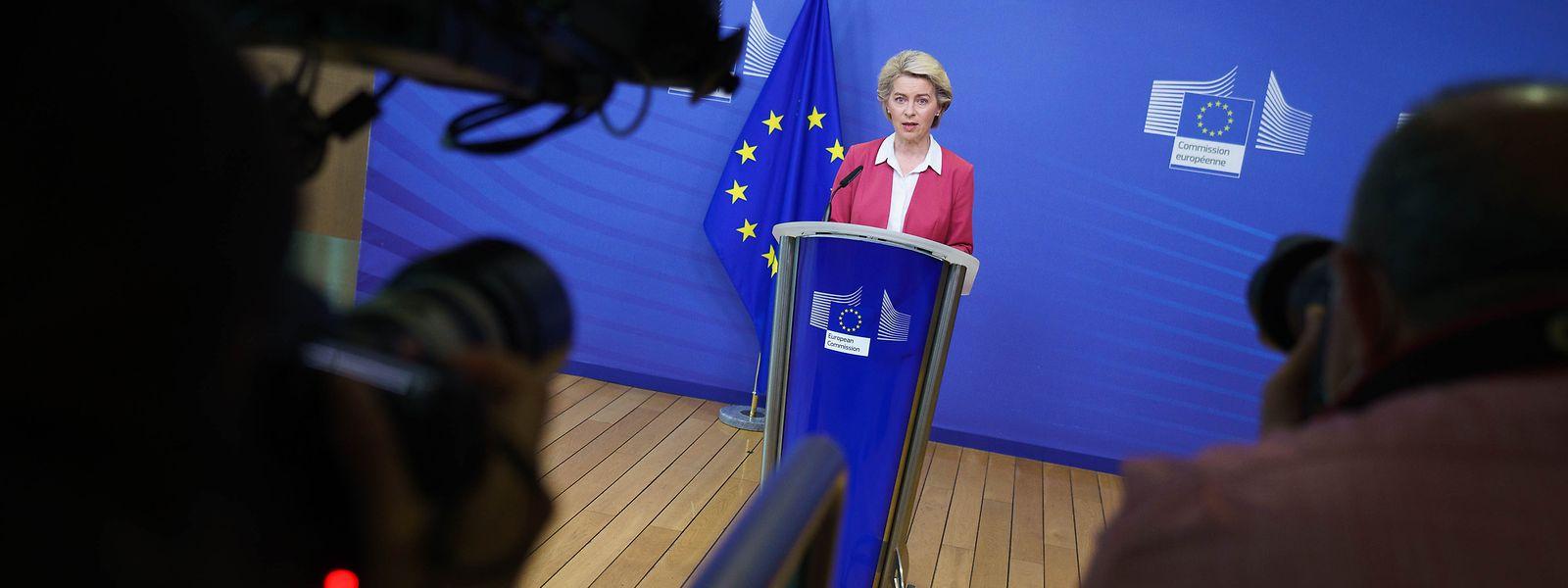 En indiquant mardi que l'UE était parvenue à faire que 70% des adultes de l'UE aient reçu au moins une dose de vaccin, Ursula von der Leyen assure que l'Europe fait partie «des leaders mondiaux» en termes de vaccination.
