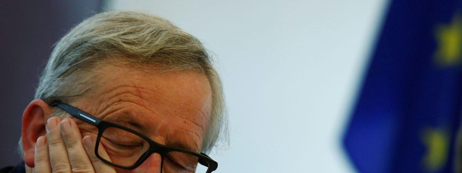 Jean-Claude Juncker steht in Brüssel im Kreuzfeier der Kritik.