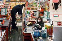 """Im Corona-Jahr 2020 sind die Supermärkte zu """"Krisengewinnern"""" geworden."""