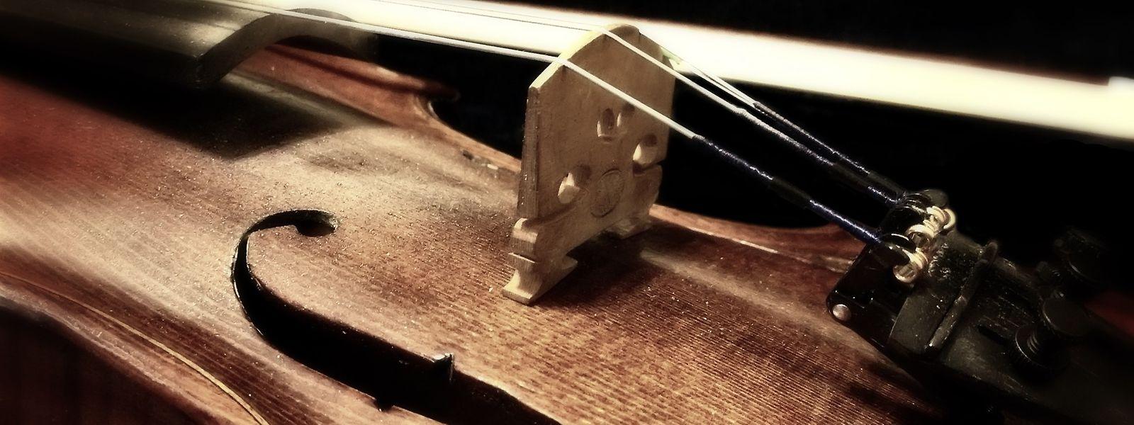 Beispielbild: Der Geiger Stephen Morris hat sein geliebtes Instrument nach rund einer Woche zurückbekommen.