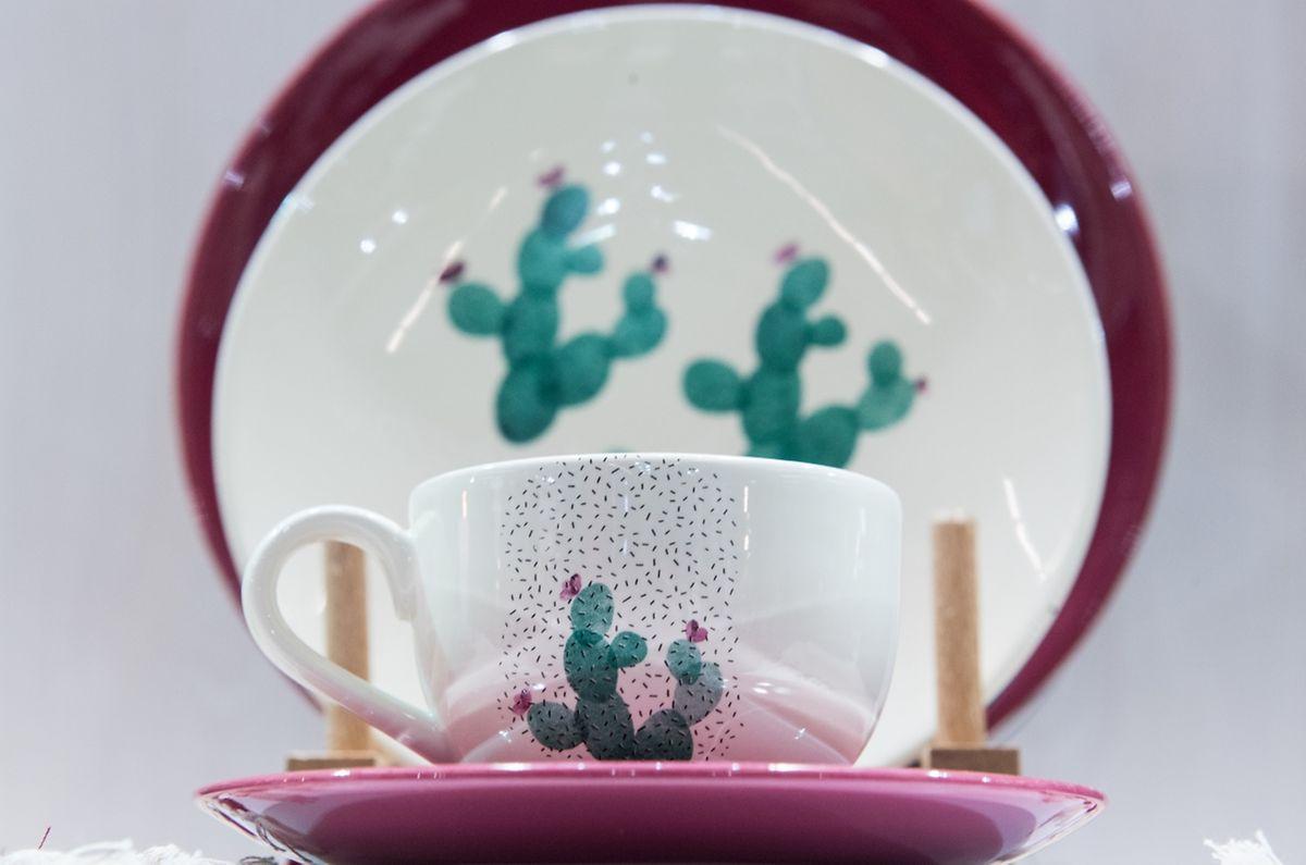 Der Kaktus ist auch als Motiv beliebt:Sogar auf Geschirr landet er, zumBeispiel beim Hersteller Kütahya.