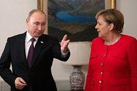 Bundeskanzlerin Angela Merkel traf  Wladimir Putin, Präsident Russlands, zu einem gemeinsamen Frühstück beim G20 Gipfeltreffen.