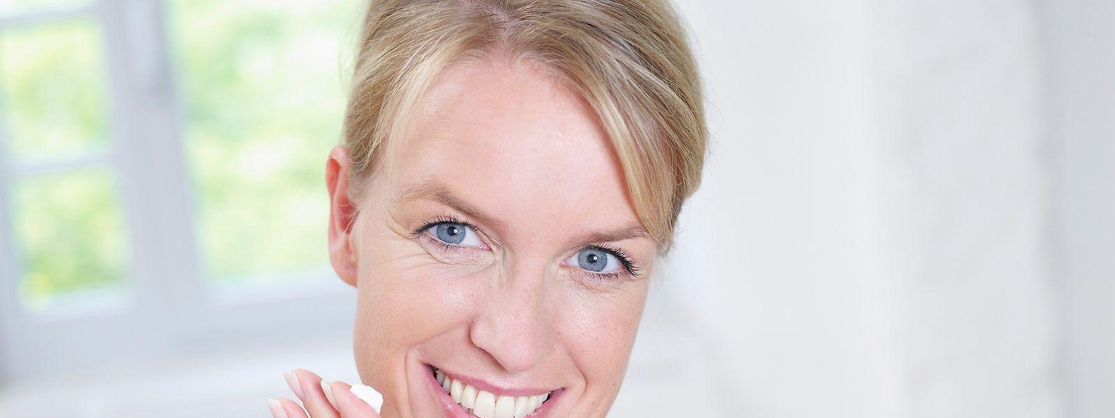 So strahlen die Augen auch weiterhin: Augencremes pflegen die strapazierte Haut.