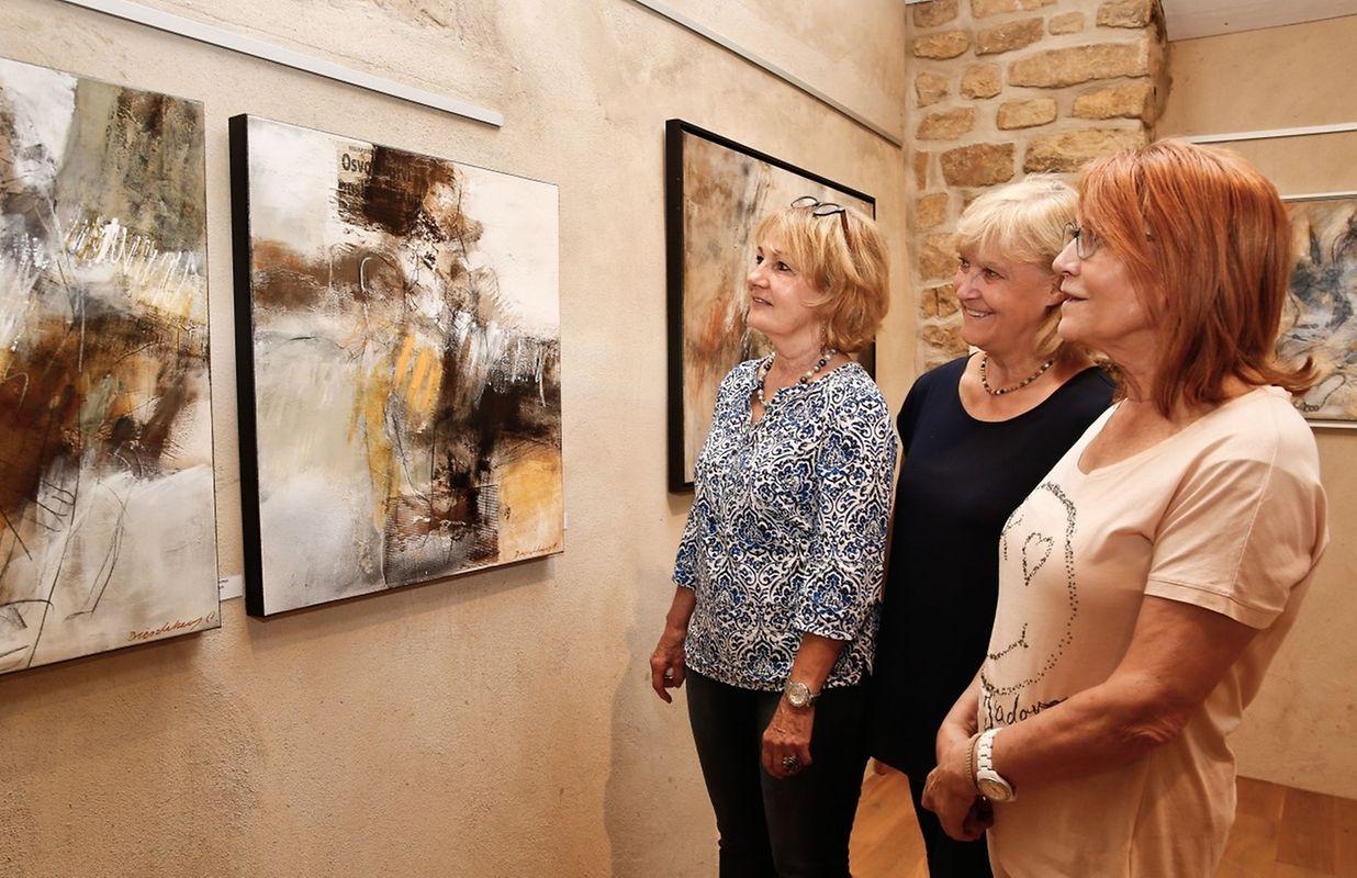 """Angesichts der Bilderausstellung """"L'Art du Corps"""" von Carmen Dieschbourg, ...."""