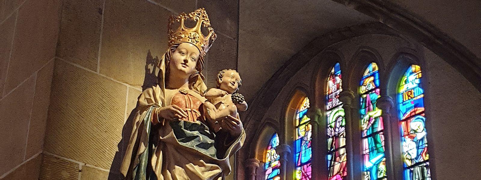 Trostspenderin für viele Gläubige: Die Madonna mit Kind in der Echternacher Basilika.