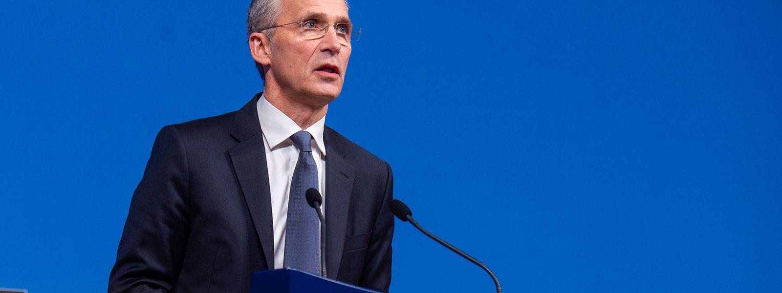 Jens Stoltenberg, NATO-Generalsekretär, spricht bei einer Pressekonferenz nach dem NATO-Außenministertreffen im NATO-Hauptquartier.