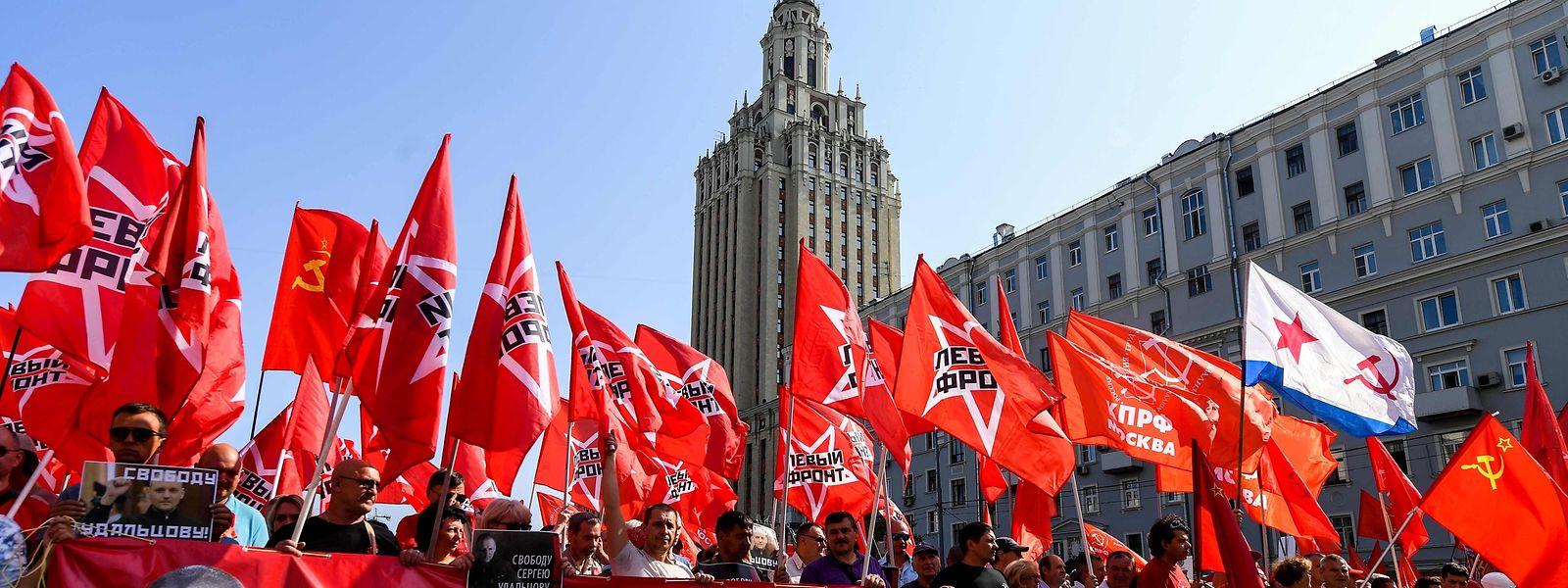 Vor allem die kommunistische Partei schlägt Kapital aus dem Unmut der russischen Bürger.