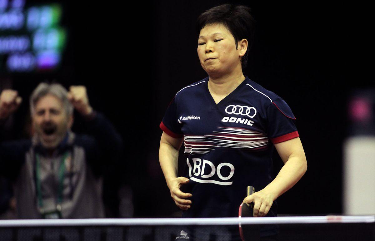 Enttäuschung: Ni Xia Lian muss sich der Serbin Sabina Surjan nacheinem Krimi über sieben Sätze geschlagen geben.