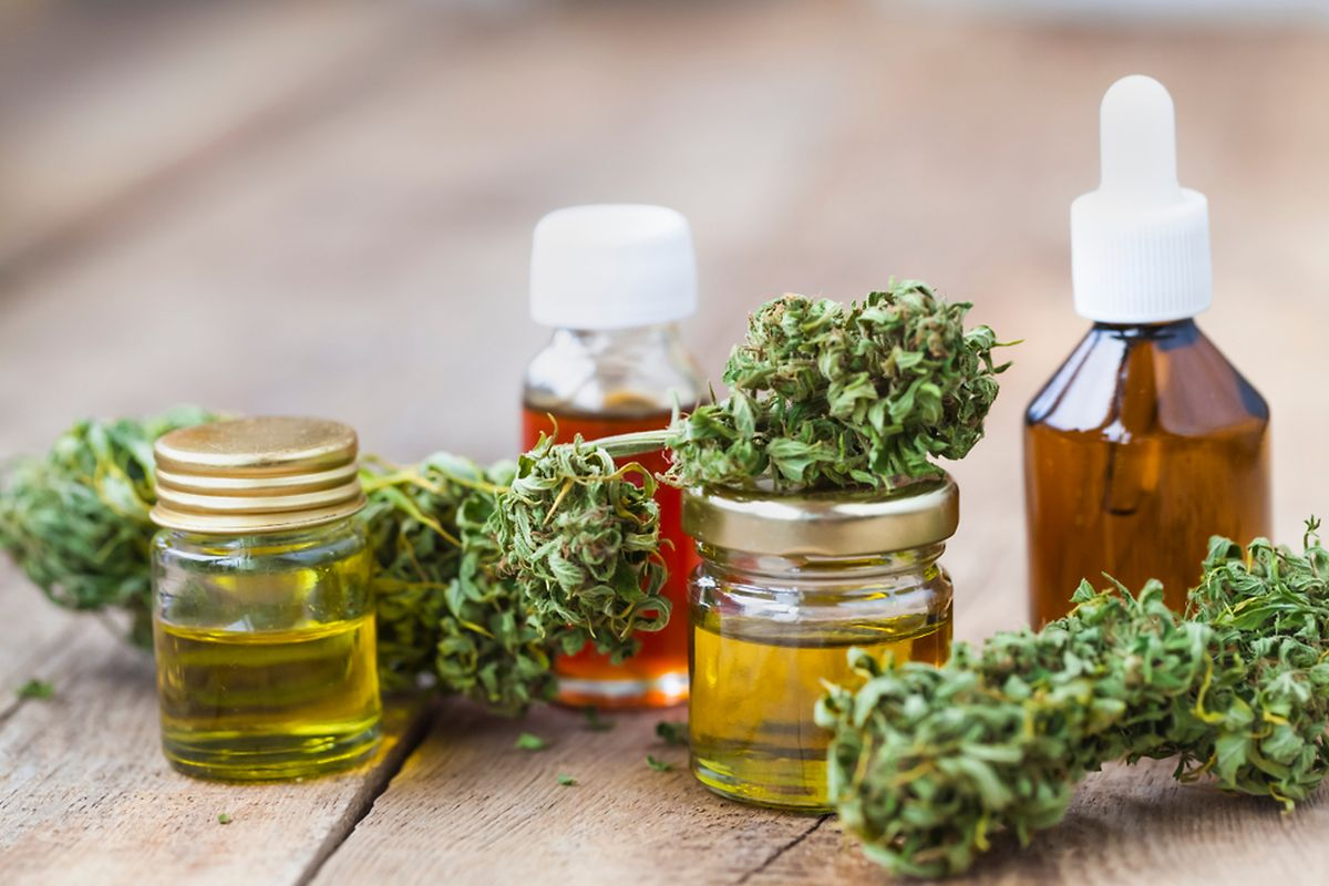Medicinal cannabis will take form of oils, capsules or drops (photo: Shutterstock)