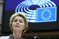 European Commission president Ursula von der Leyen unveils the Commission's broad orientations of 'Green New Deal' plan to fight climate change before the European Parliament in Brussels on December 11, 2019. (Photo by ARIS OIKONOMOU / AFP)