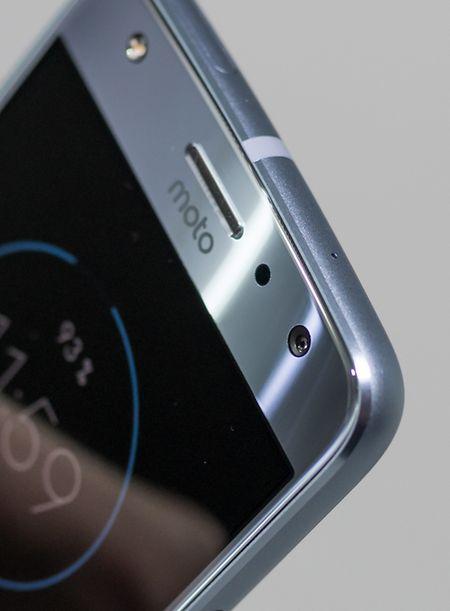 Die Frontkamera des Moto X4 verfügt über eine Auflösung von 16 Megapixeln und einen größeren Aufnahmewinkel für Panoramaselfies.