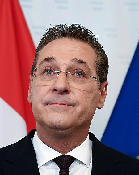 Österreichs Vizekanzler und FPÖ-Chef Heinz-Christian Strache ist am Samstagmorgen von allen Ämtern zurückgetreten.