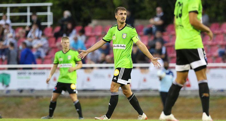 Milos Todorovic (Jeunesse Esch - 4) / Fussball BGL Ligue Luxemburg, 1. Spieltag Saison 2020-2021 / 22.08.2020 / CS Fola Esch - Jeunesse Esch / Stade Émile Mayrisch / Foto: Yann Hellers
