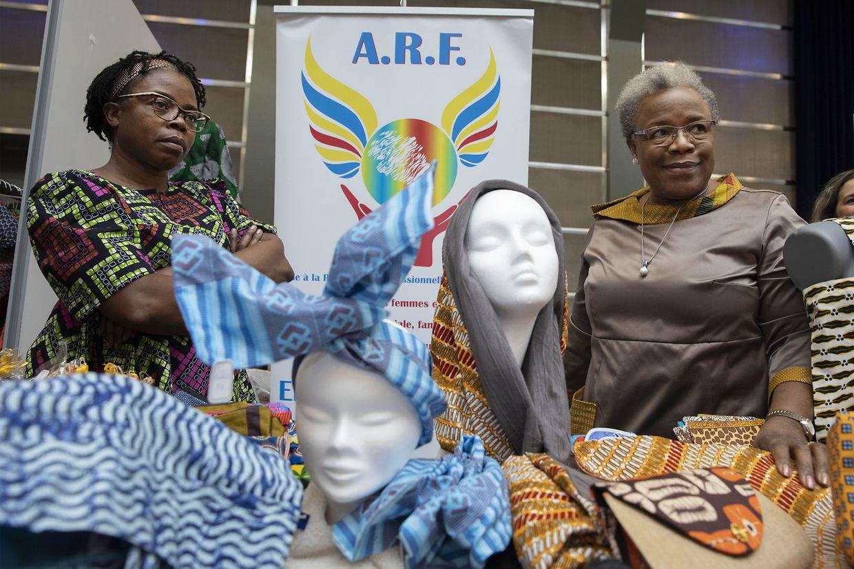"""Die Aussteller des """"Lux African Market"""" haben am Samstag und Sonntag ihre Stände im Tramsschapp in Limpertsberg aufgebaut."""