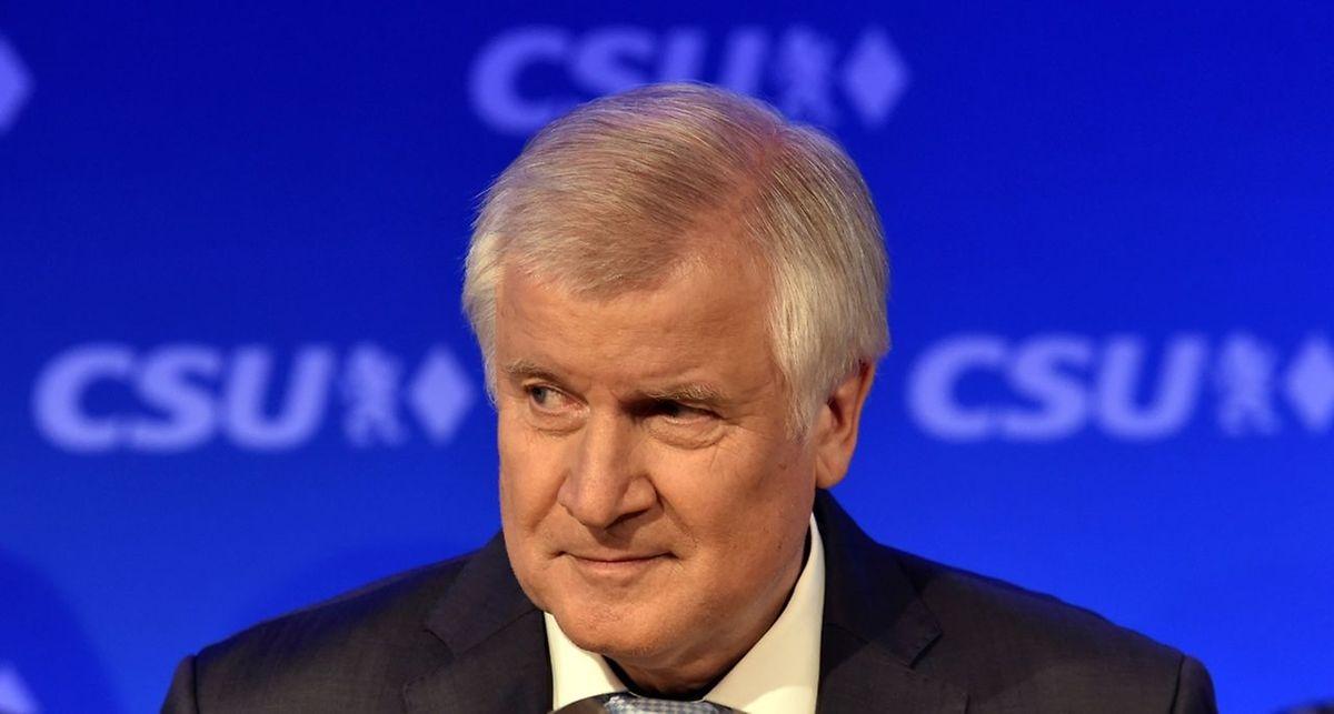 Horst Seehofer muss sich mit dem schwachen Abschneiden der CSU abfinden.