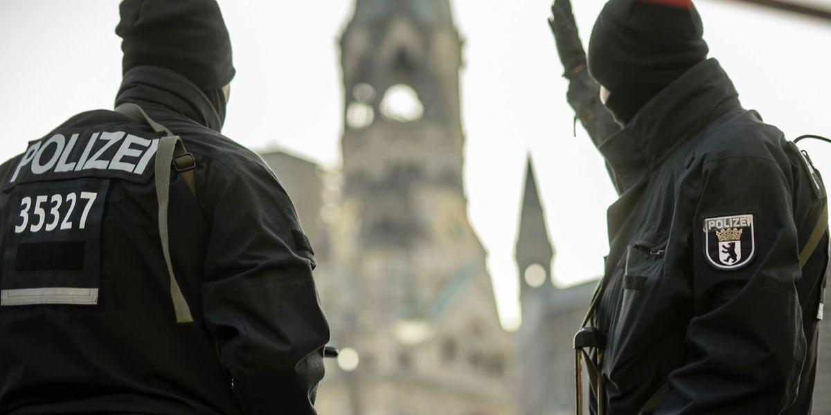 Die Polizei in Berlin hatte unmittelbar nach dem Anschlag einen Pakistaner festgenommen, der allerdings mit der Tat nichts zu tun hatte.