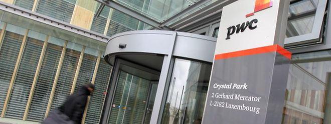 PricewaterhouseCoopers hat seinen luxemburgischen Sitz in Gasperich. Das Unternehmen erstattete bereits im Jahr 2012 Anzeige wegen Diebstahl, weil bereits zu diesem Zeitpunkt Informationen aus internen Unterlagen im Rahmen einer Reportage des angeklagten Edouard Perrin in die Öffentlichkeit gelangten.