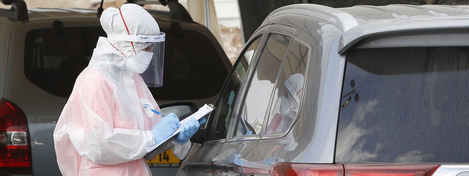 Nach einem anfangs vorbildlichen Management der Pandemie verdoppelt sich jetzt die Zahl der Corona-Infektionen alle sieben Tage in Israel.